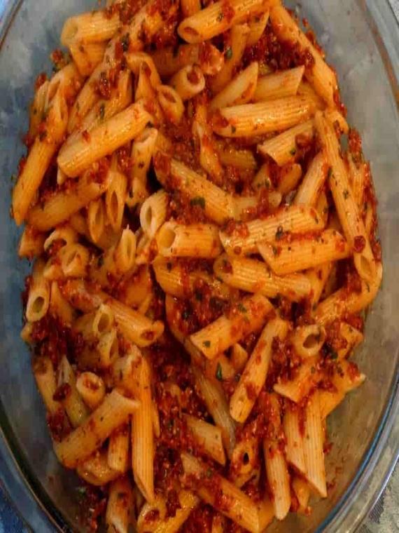 penne-pesto-dry-pasta-min
