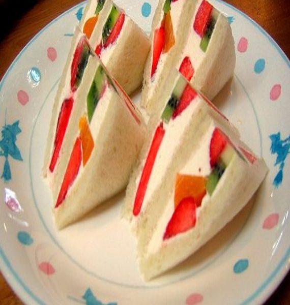 sandwich_fruit_bread