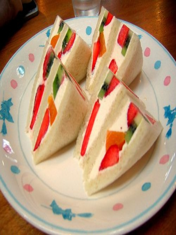 sandwich_fruit_bread